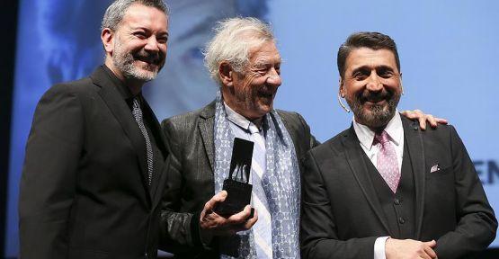36. İstanbul Film Festivali İle 'Sen Şarkılarını Söyle' Salon'da