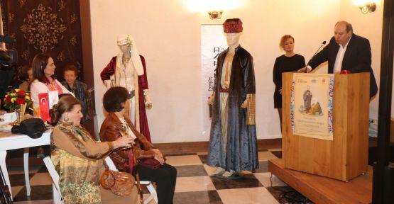 'Osmanlı'da Yahudi Kıyafetleri' sergisi İzmir'de