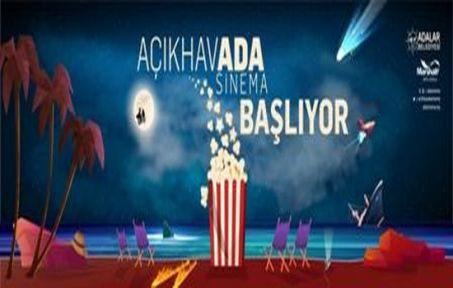 PANDEMİDE MORAL ARAYANLARA DENİZİN ORTASINDA AçıkhavADA SİNEMA!