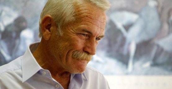 Yavuz Özkan'a Saygı Duruşu